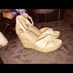 Women's size 9 candies pump heels